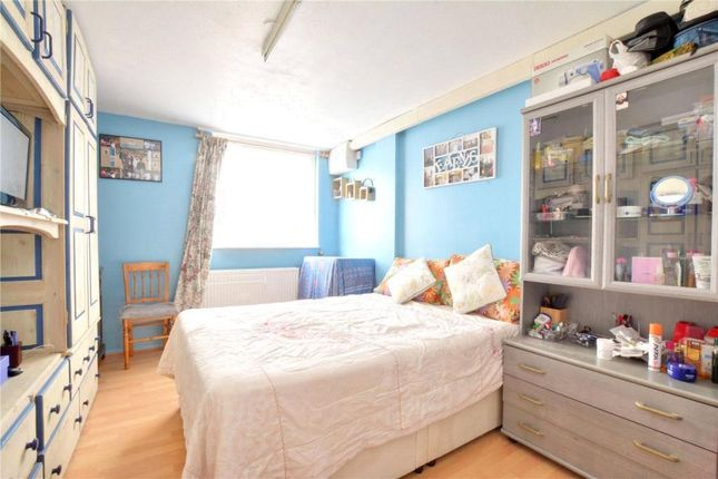 2 bed flat to rent in 10 Turpington, Bromley, London BR2