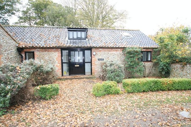 Thumbnail Flat to rent in Hall Lane, Gunthorpe, Melton Constable