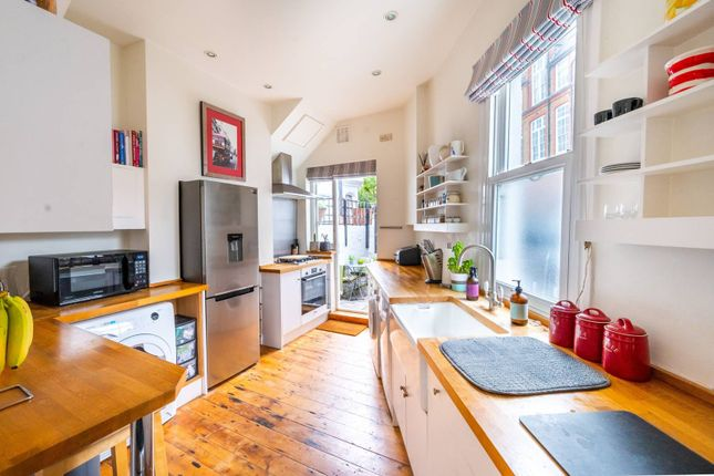 2 bed property for sale in Amies Street, Battersea, London SW11