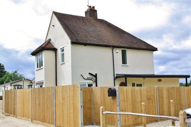 Thumbnail Property to rent in Pound Lane, Wood Street Village
