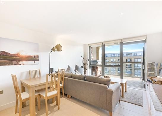 Thumbnail Flat for sale in Canalside Square, London