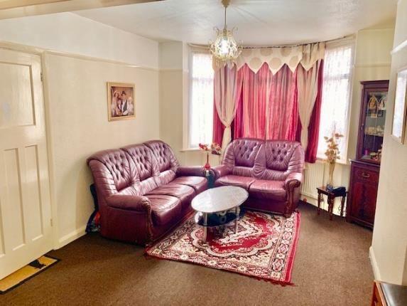 Lounge of Milton Road, Luton, Bedfordshire LU1