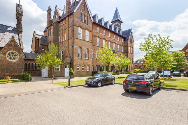 Thumbnail Flat for sale in Little Trodgers Lane, Mayfield