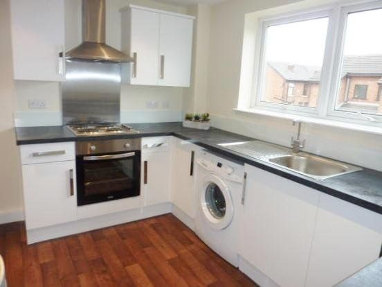 2 bed flat to rent in Garstang Road, Fulwood, Preston