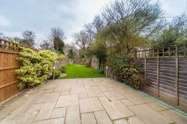 Thumbnail Terraced house to rent in Chiswick Road, Chiswick