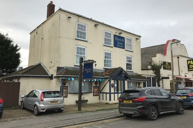 Thumbnail Pub/bar for sale in 8 George Street, Mablethorpe