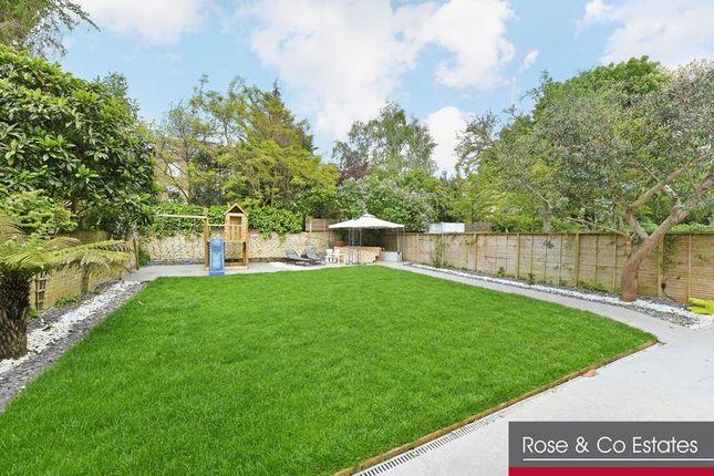 Thumbnail Flat to rent in Greencroft Gardens, London