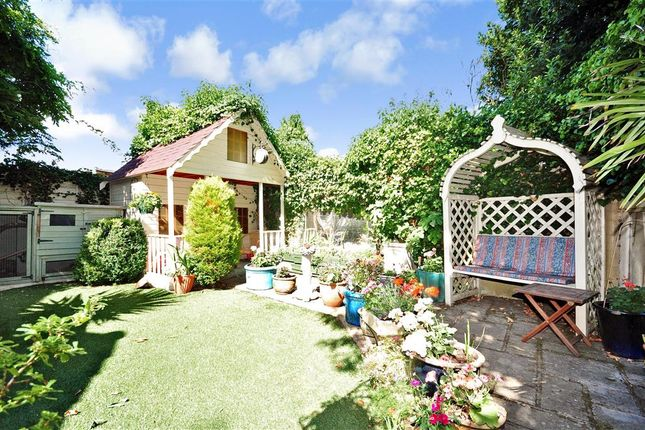 Thumbnail Detached house for sale in Fountain Lane, Maidstone, Kent