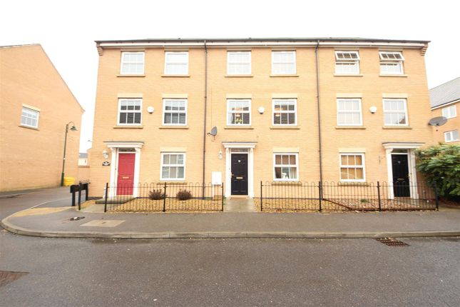 3 bed town house for sale in Buckthorn Road, Hampton Hargate, Peterborough
