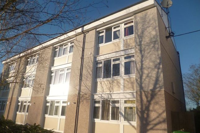 Thumbnail Maisonette to rent in Borderside, Slough