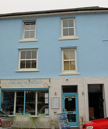 Thumbnail Flat to rent in 9, College Green, Tywyn