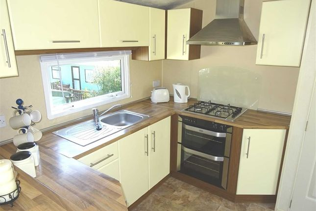 Kitchen: of Llangyniew, Welshpool SY21