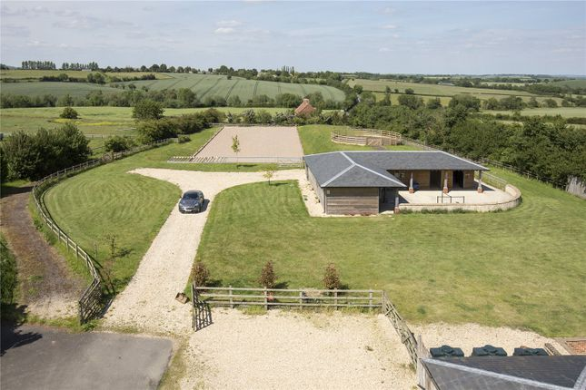 Equestrian of Paddle Brook Barns, Moreton-In-Marsh, Gloucestershire GL56