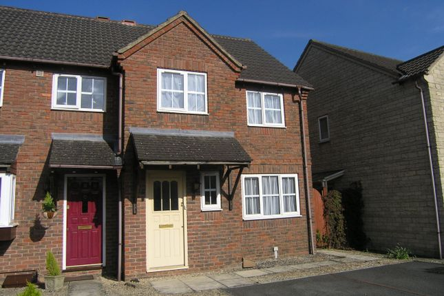 3 bed property to rent in Huntingdon Way, Chippenham SN14