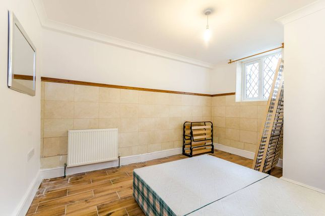 Thumbnail Flat to rent in Girdwood Road, Southfields