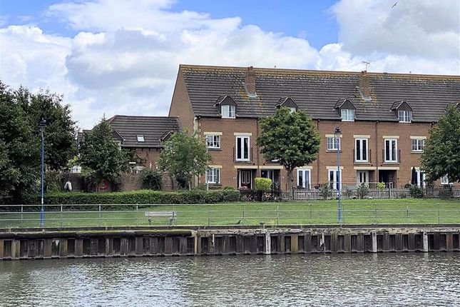 Thumbnail Town house for sale in Dovedale Close, Hardwicke, Gloucester