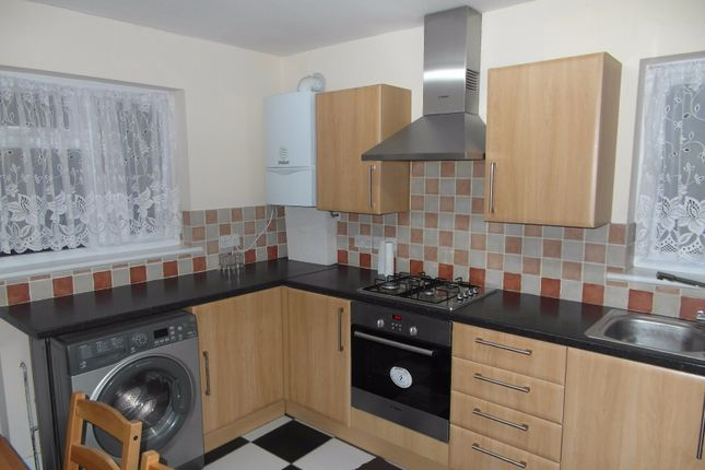 Thumbnail Flat to rent in Goldsmith Avenue, Manor Park, London