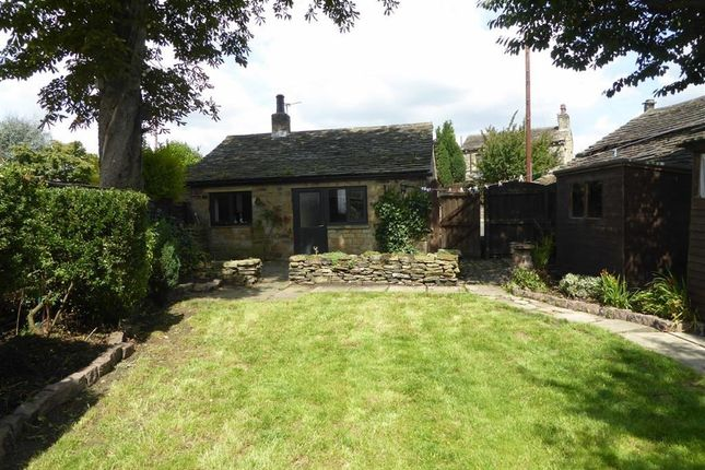 Thumbnail Detached bungalow to rent in Lee Green, Mirfield