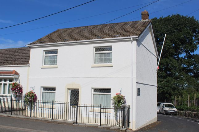 4 bed semi-detached house to rent in Betws Road, Betws, Ammanford SA18