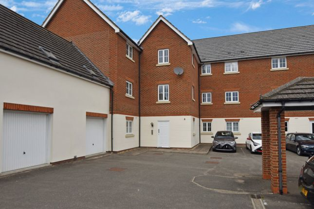 2 bed flat for sale in Baden Powell Close, Great Baddow, Chelmsford, Essex CM2