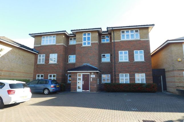 Flat for sale in William Close, Southall