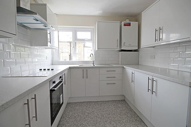 Thumbnail Town house to rent in Fairways, Thornbury Road, Isleworth
