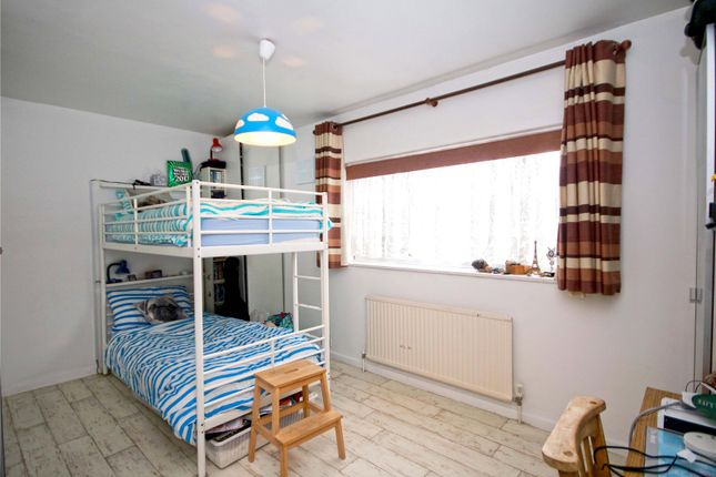 Bed House To Rent In Chertsey