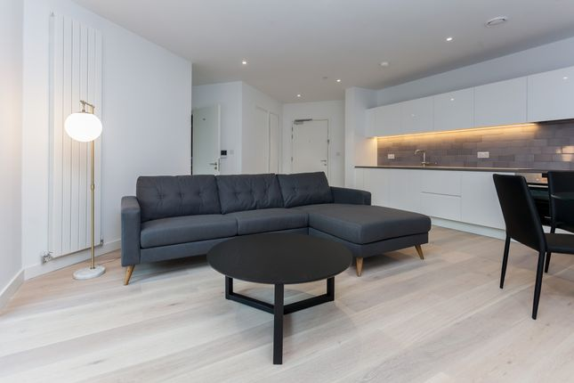 Thumbnail Flat to rent in 2 Admiralty Avenue, London