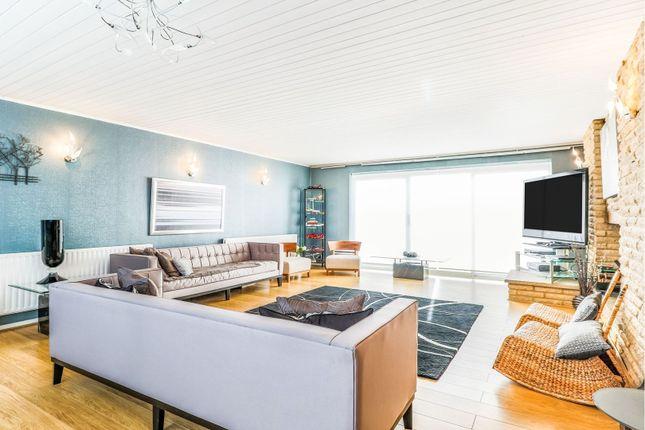 Living Room of Assher Road, Walton-On-Thames KT12