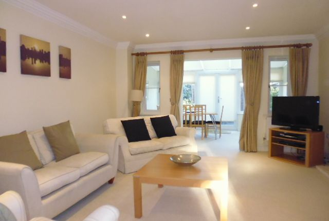 Thumbnail Town house to rent in The Mews, Upper Village Road, Sunninghill, Ascot
