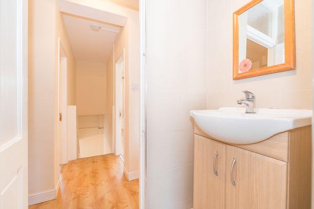 Bathroom of Salisbury Street, Marylebone, Central London NW8