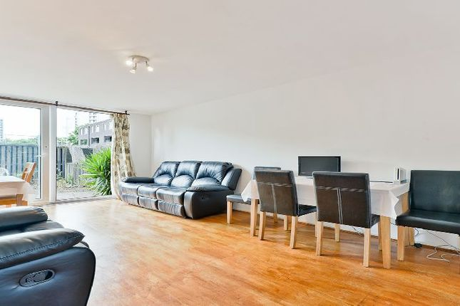 Thumbnail Flat to rent in Rutley Close, London