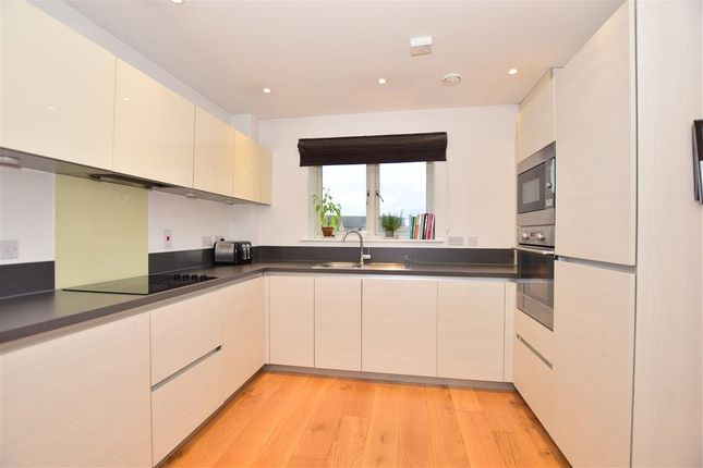 Thumbnail Flat for sale in The Causeway, Chatham, Medway