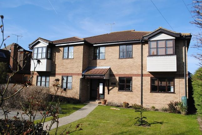 Thumbnail Flat to rent in Leighwood Avenue, Leigh-On-Sea