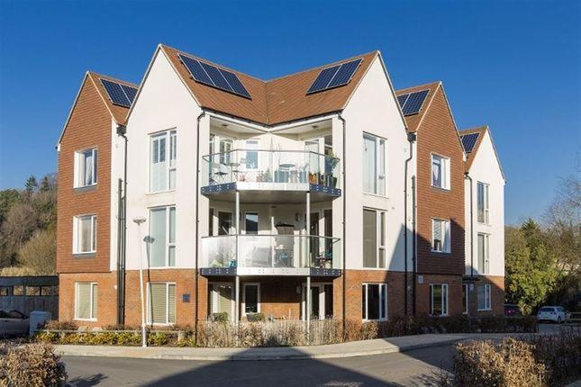 Thumbnail Flat to rent in Spring Walk, Tunbridge Wells