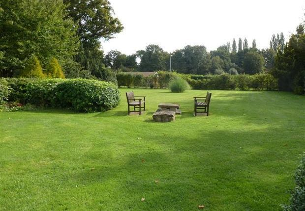 Thumbnail Flat for sale in Arnoldfield Court, Gonerby Hill Foot, Grantham