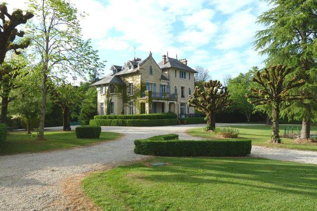20 bed château for sale in Hautefort, Périgueux, Dordogne, Aquitaine, France
