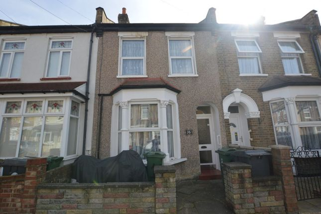 Thumbnail Flat to rent in Worcester Road, Walthamstow
