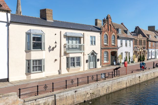 Thumbnail Flat to rent in The Quay, St. Ives, Huntingdon