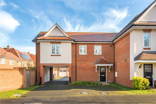 1 bed flat for sale in Hengest Avenue, Esher, Surrey KT10
