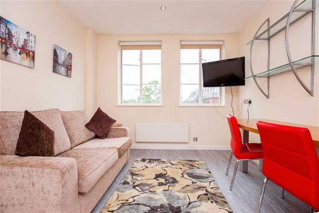 Studio to rent in Old Brompton Road, South Kensington, London