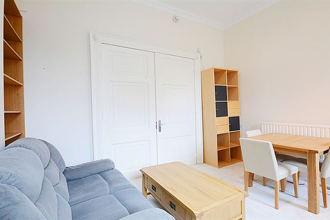 2 bed flat to rent in New Cavendish Street, London