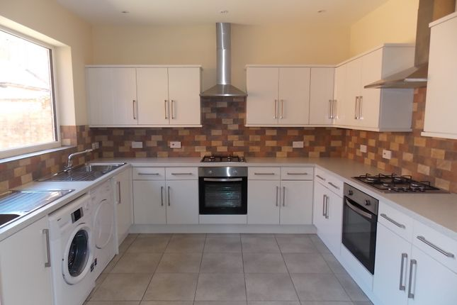 Thumbnail Town house to rent in Albert Road, Leicester