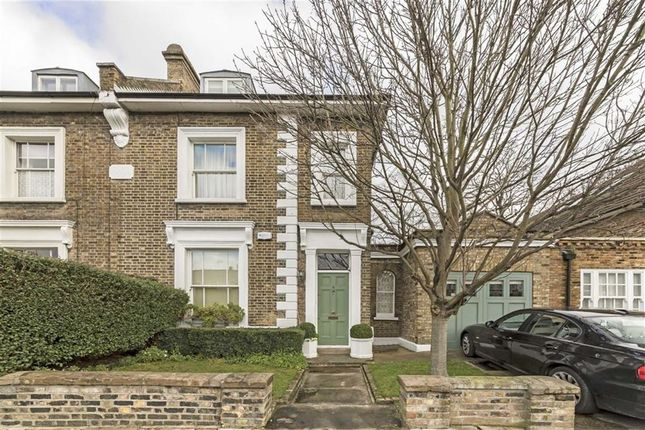 3 bed semi-detached house for sale in Grange Grove, London