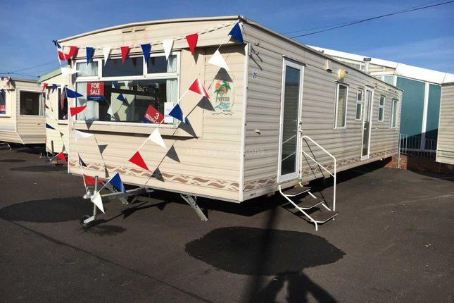 Mobile/park home for sale in St Osyth Beach Holiday Park, Beach Road, St Osyth, Clacton-On-Sea