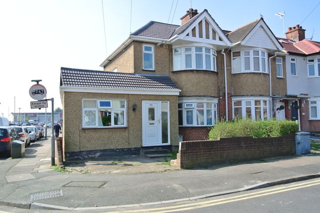 Thumbnail Flat to rent in Hartland Drive, Ruislip