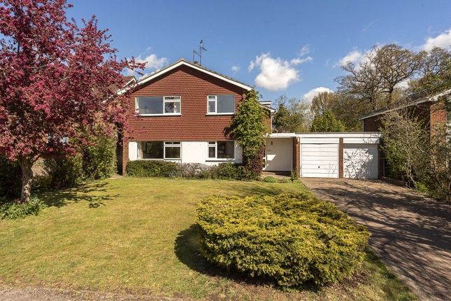 Thumbnail Detached house for sale in Ridgewood Drive, Harpenden, Hertfordshire