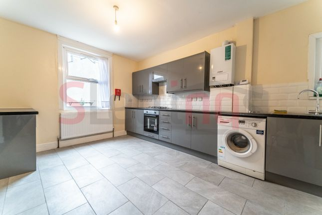 Thumbnail Terraced house to rent in Russell Road, London