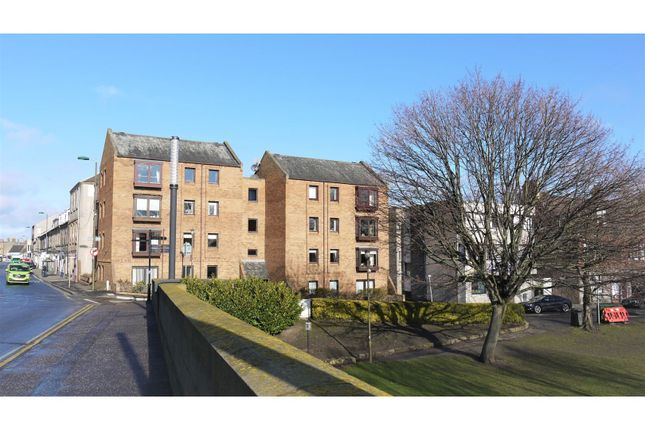 Thumbnail Flat for sale in Eskside West, Musselburgh