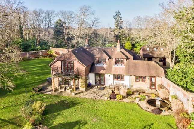 Thumbnail Detached house for sale in Middle Road, Tiptoe, Lymington